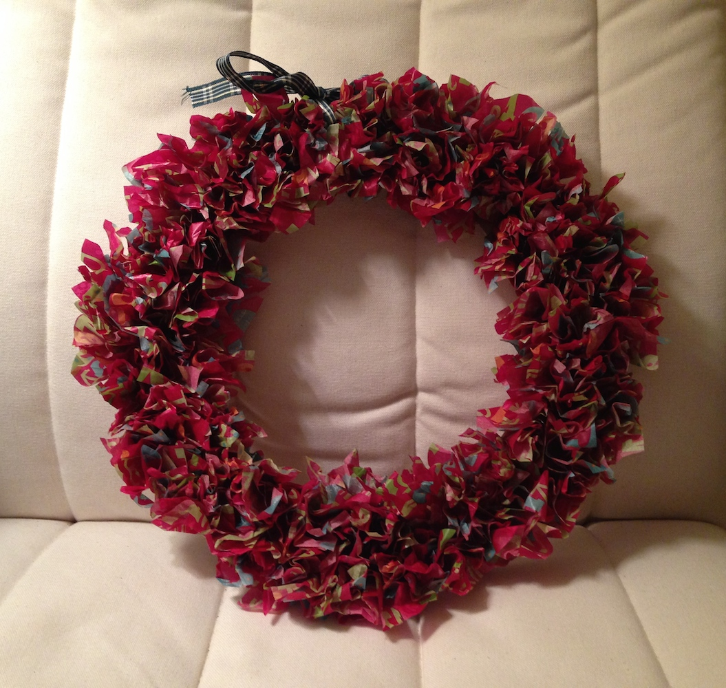tissue paper wreath Free christmas craft instructions provided by craft elf to make a wreath from tissue paper and a coat hanger.